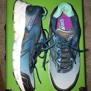 Like new Fila Stellaray Ankle-High Running Shoe
